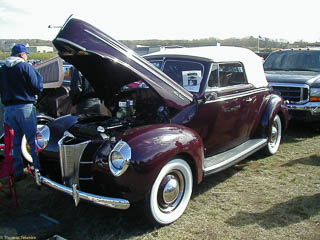 1940 Ford Deluxe Cabriolet