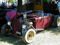1935 Flathead engine with modern alternator and electric radiator fan